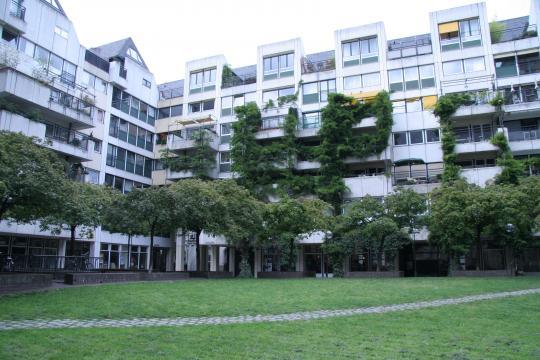 Уютный дворик в Кёльне