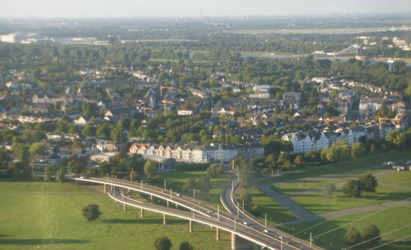 Вид на левобережную часть Дюссельдорфа