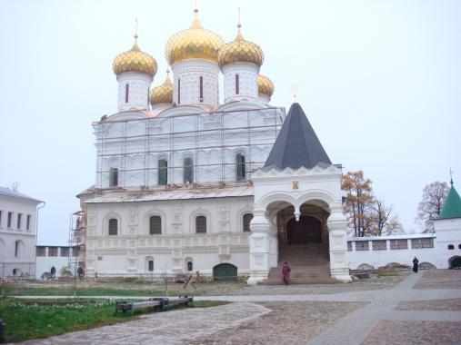 Троицкий собор Ипатьеского монастыря. XVI в. Кострома.
