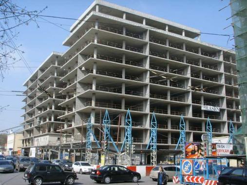 Строительство многофункционального жилого комплекса с подзем