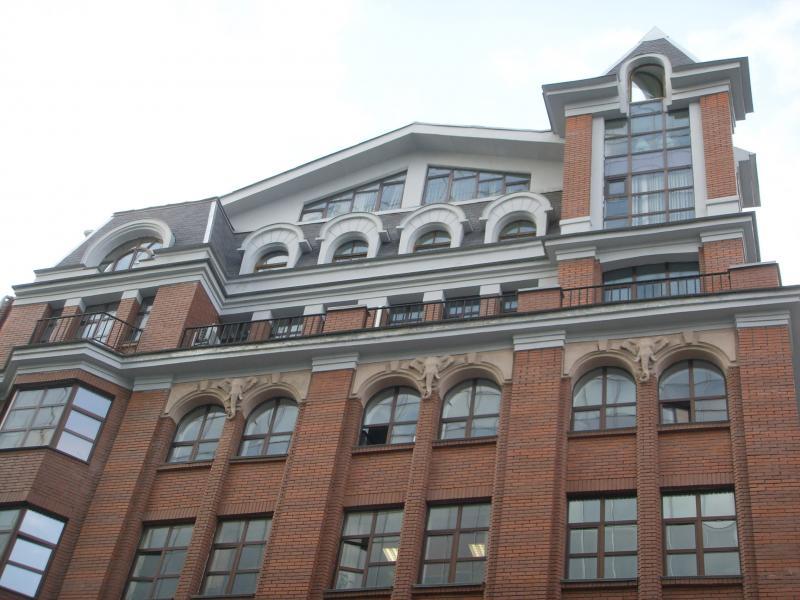 Фасад здания стиле модерн