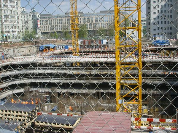Строительство подземных этажей здания