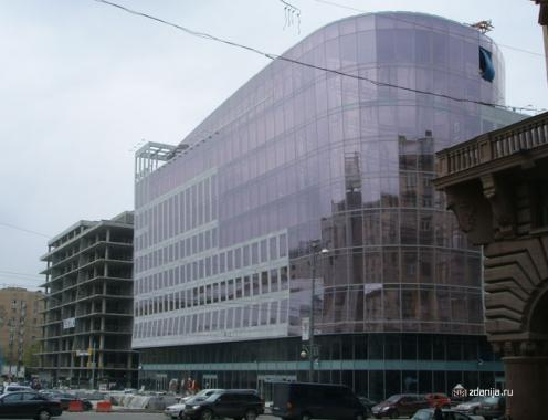Завершение строительства нового торгово-офисного центра
