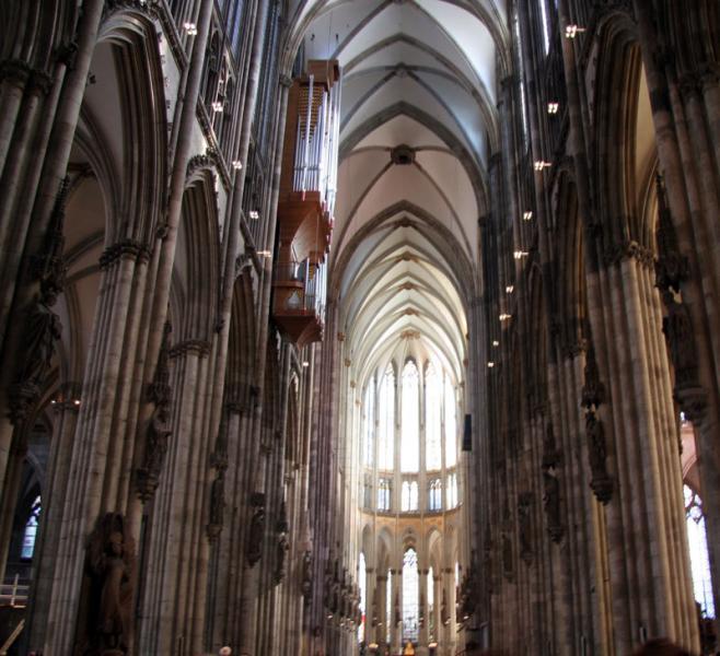 Неф Кёльнского собора