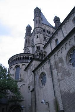 Романский собор в Кёльне