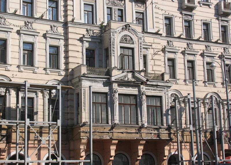 декор фасада, балконы дома
