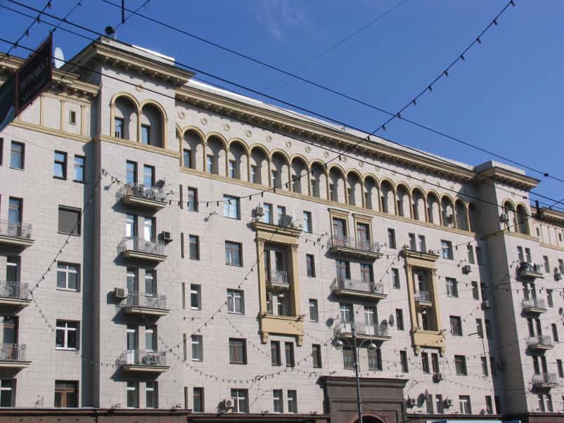 фрагмент фасада с балконами Тверская д 6