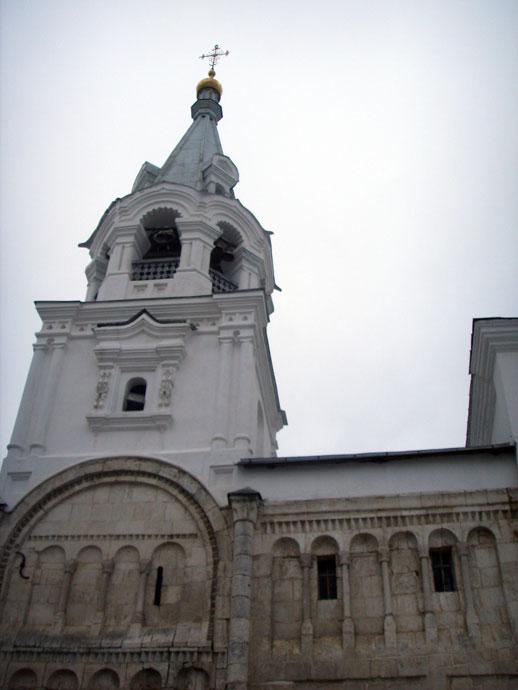 остатки дворца Андрея Боголюбского