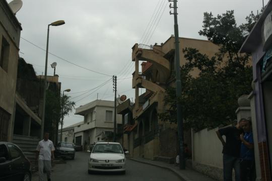 улочка Алжира, выносная лестница