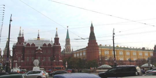 Вид с Тверской улицы на Кремль