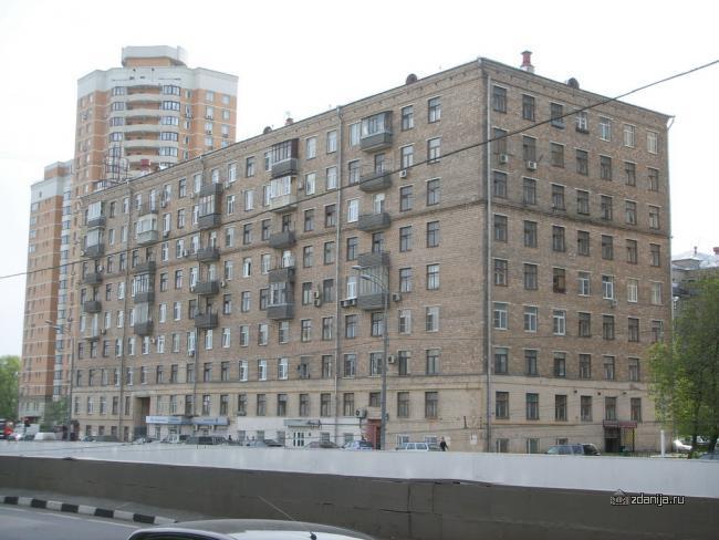 Дома с 7-ю окнами в торце, Москва, сталинки