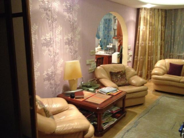 Примеры дизайна квартир и ремонта, П44, кухня, комнаты, прихожая,  туалет, ванная