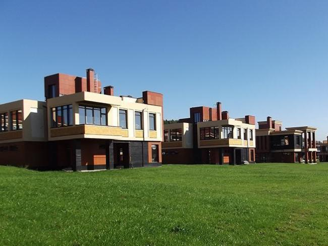 Дизайнерский загородный поселок FORTOPS в Подмосковье