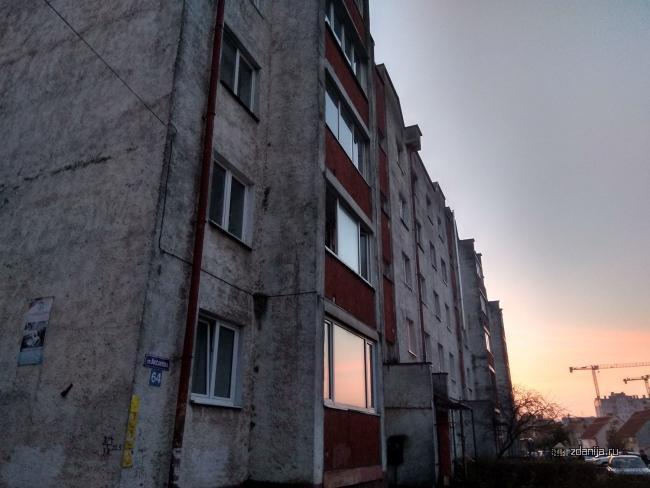 Дома на основе блок-секций для сельского строительства серии 85, а именно 85-035 и 85-036, Калининград