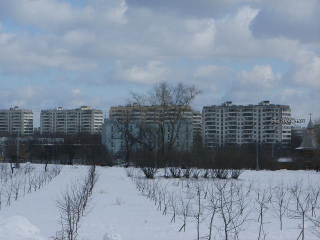 12 этажная панель у метро Коломенская