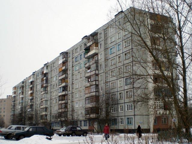 Девятиэтажный дом серии 1-335-АК на улице Ломоносова, 9А в Великом Новгороде
