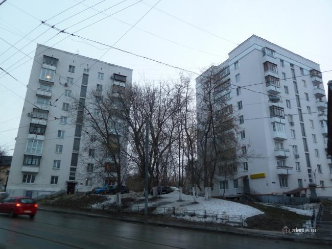 Это тоже 1-447С-26? Нижний Новгород, Ильинская 37 и Ильинская 35.