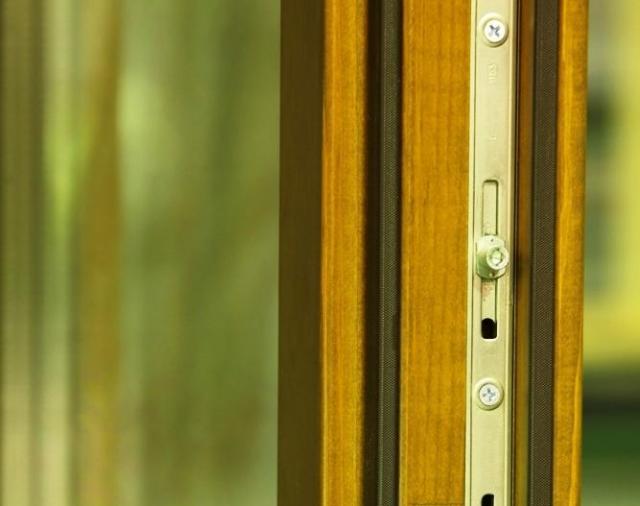 Окна из лиственницы от Красной горки