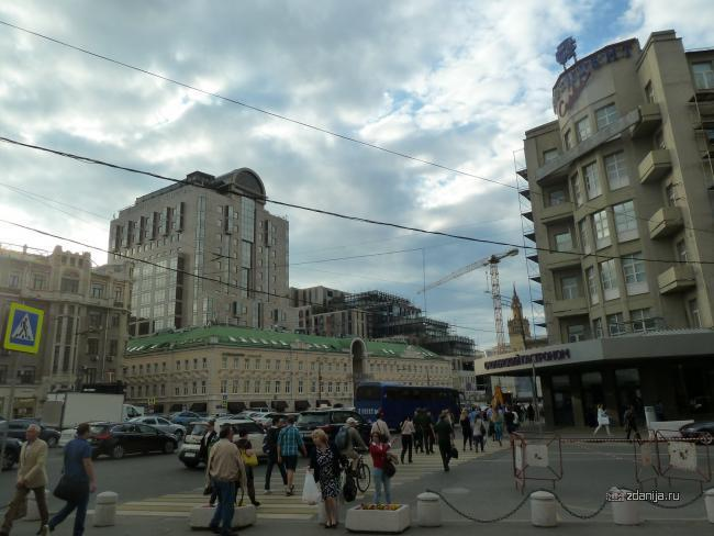 Москва, Смоленская площадь, 3 (Смоленский пассаж) магазин, торговый центр