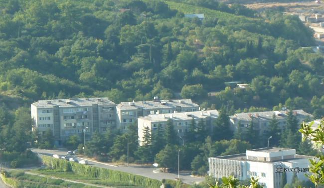 Типовые серии Крыма - Пятиэтажки в пос. Партенит