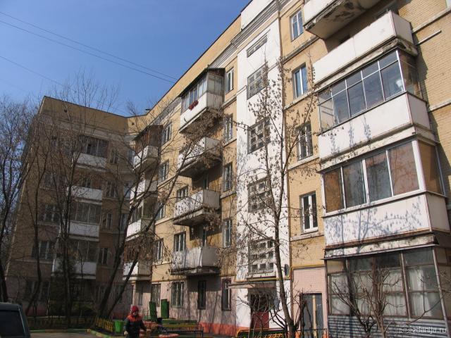 Конструктивистский дом - двор