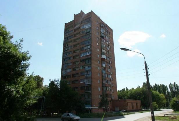 Типовые серии в Нижнем Новгороде - башня на ул. Снежная