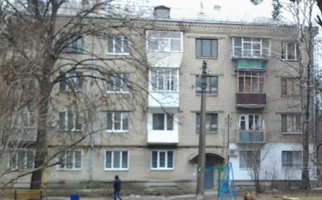 Серия 1-424-1 - кирпичная 4-этажка, Харьков, 3 квартиры на этаж. 2-1-3 (отр.адм.)