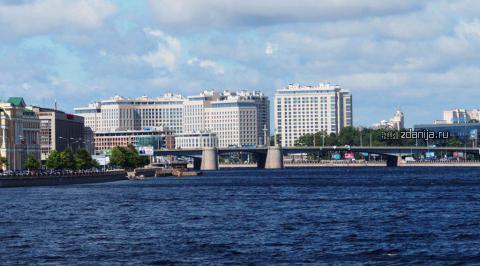 г Санкт-Петербург, Ушаковская наб., д.3