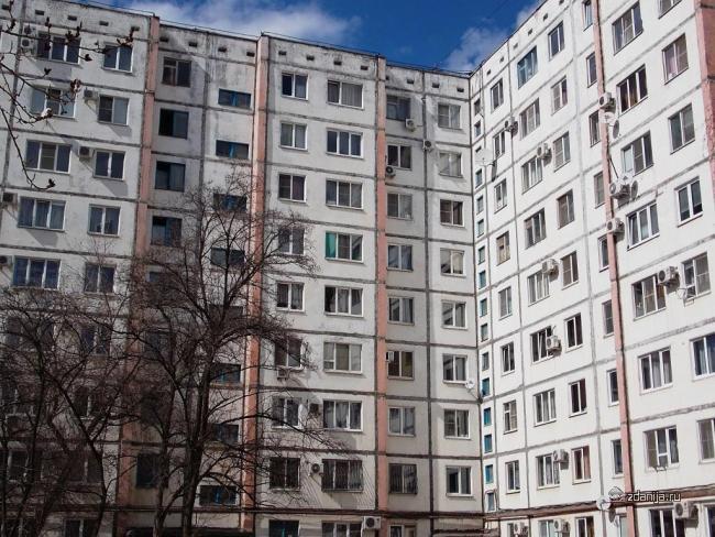 г. Волжский, ул. Пушкина, дом 136