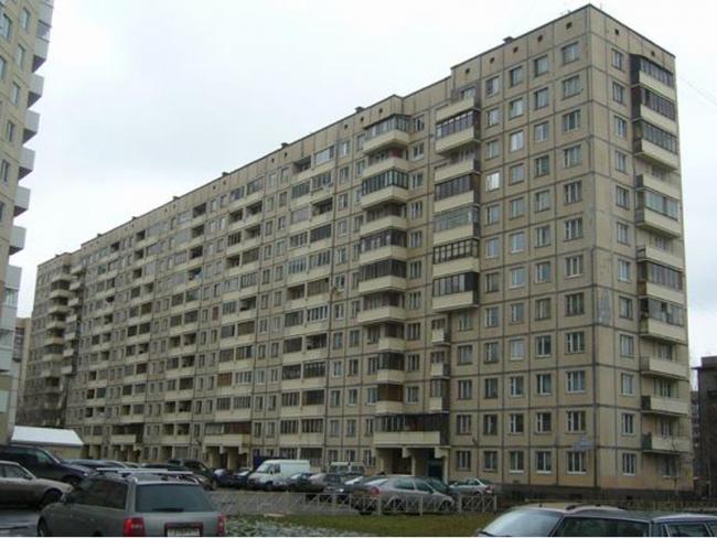 1Лг-504Д + планировки квартир ( отр.адм.)Помогите в определении серии дома 12 этажей. Питер