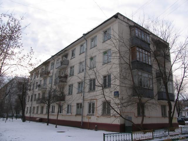четырёхэтажки на Судостроительной улице 1-335?