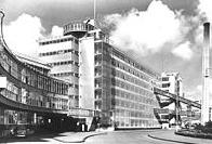 западный конструктивизм - Фабрика Ван Нелль в Роттердаме, автор Леендерт ван дер Влагт (и Март Штам) 1927-1931 гг.