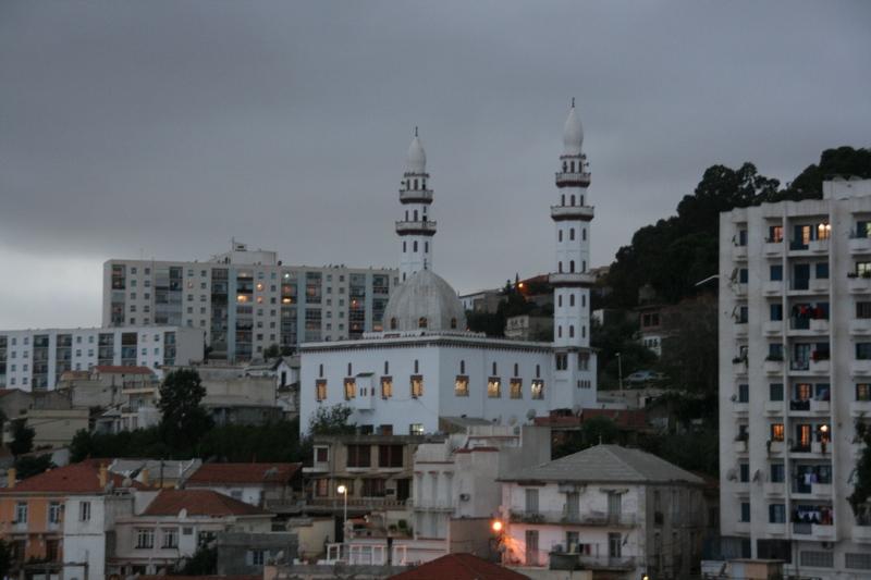 Современные здания исламской архитектуры, Алжир