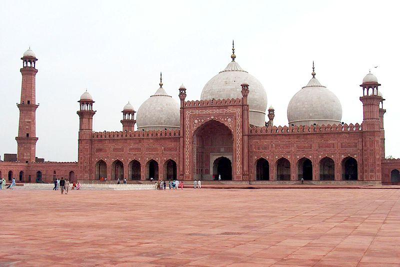 архитектура Бадшахи Масджид, в переводе королевская мечеть