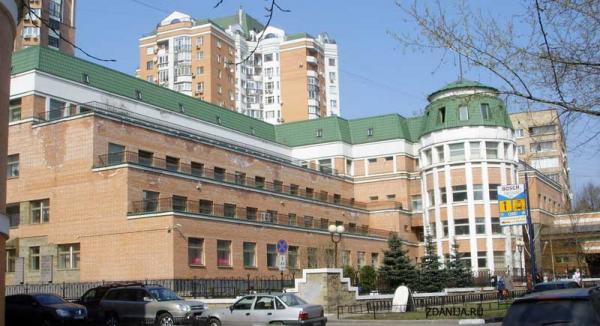 террасное здание школы - Террасные дома фото